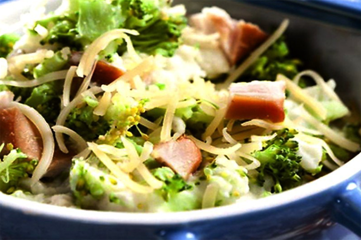 Broccolistamppot met gerookte kip