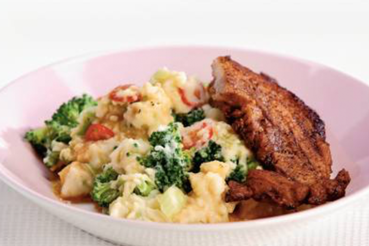 Stamppot broccoli met Cajunspeklapjes